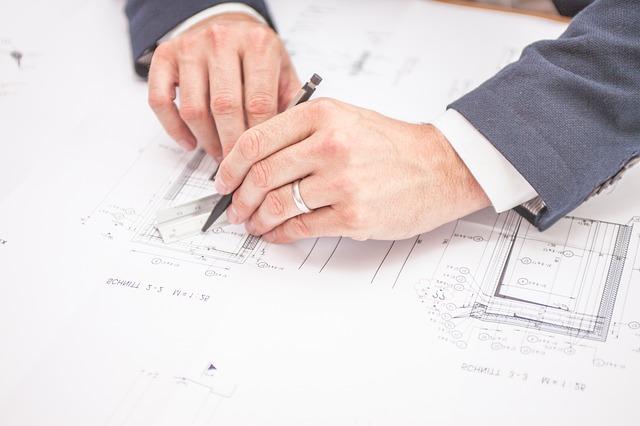 Arhitekturne rešitve za pametne hiše in poslovne prostore.